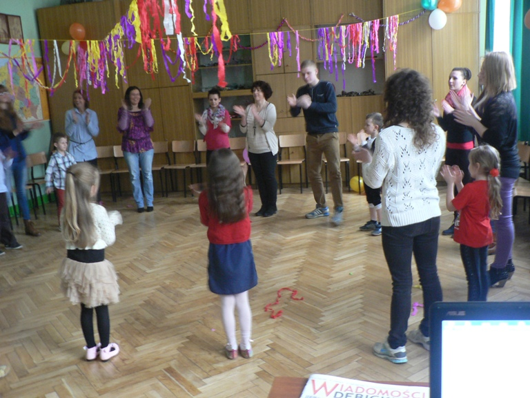 Zabawa karnawałowa dla dzieci z Domu Dziecka