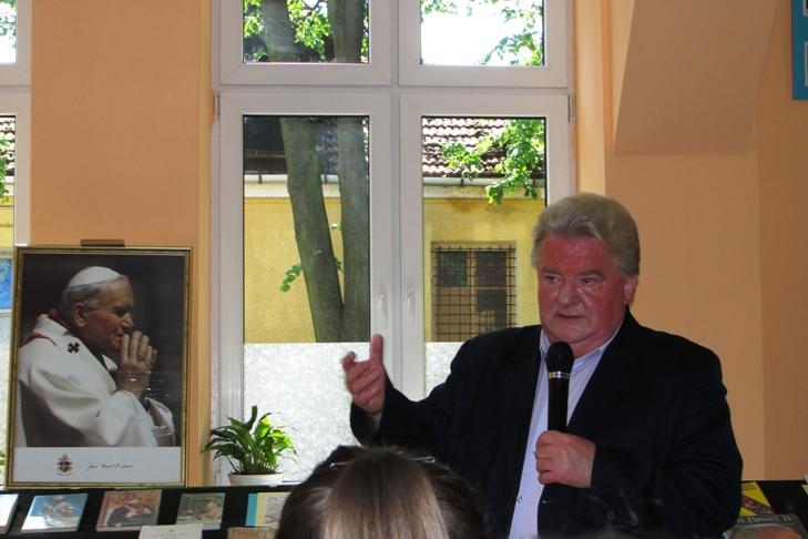 Prelekcja o poezji Jana Pawła II w MiPBP