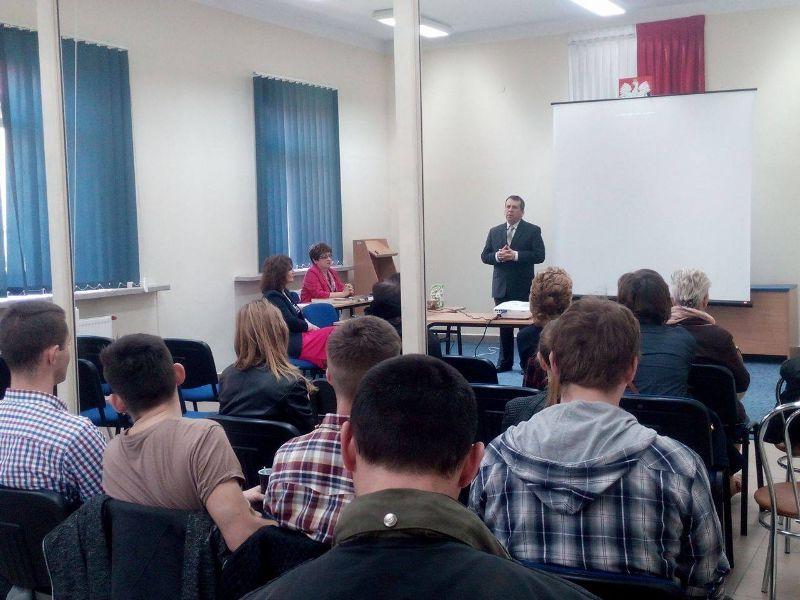 """Uczniowie ZSE na prelekcji pt.  """" Zbrodnia wołyńsko-małopolska"""""""