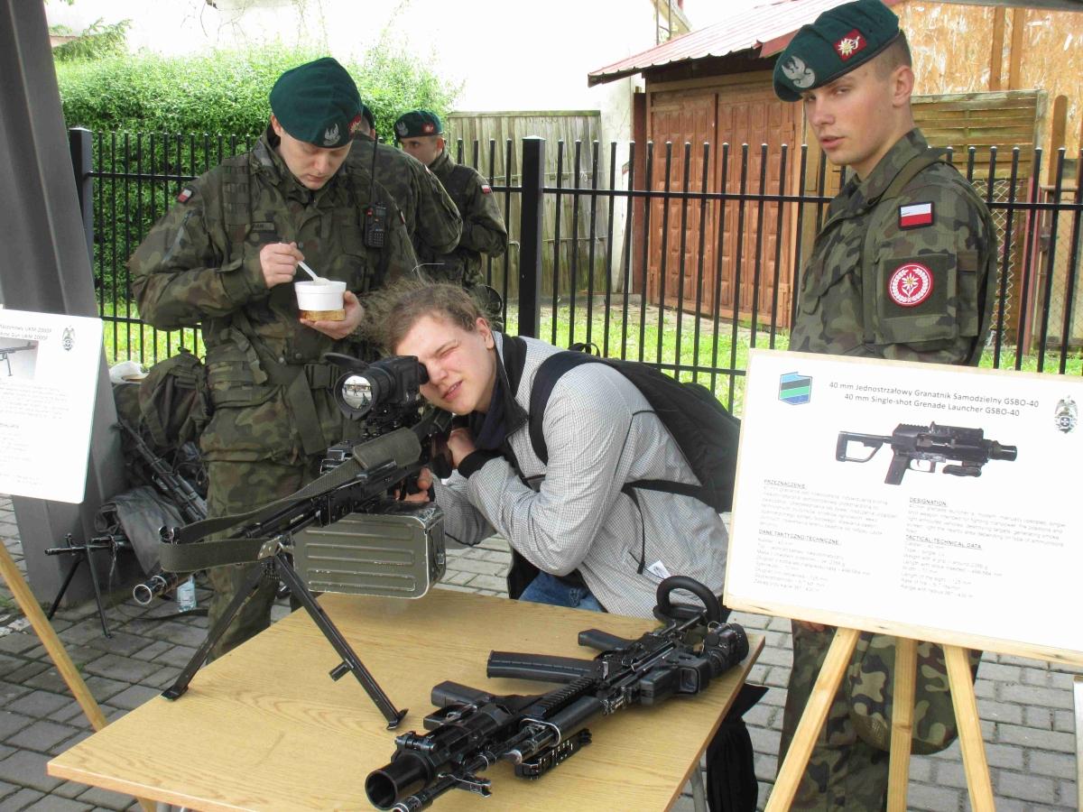 Uczniowie ZSE w Dębicy na VI Podkarpackim Młodzieżowym Święcie Bezpieczeństwa Wewnętrznego